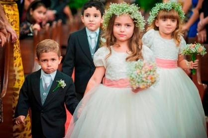 damas-e-pajens-Casamento-romântico-alexandra-e-leonardo-15