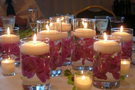 floating-candles-wedding-decoration