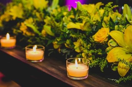velas-e-flores-amarelas