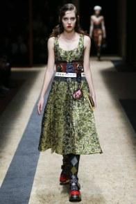 fall-a16-corset-prada-voguecom-_mon0091