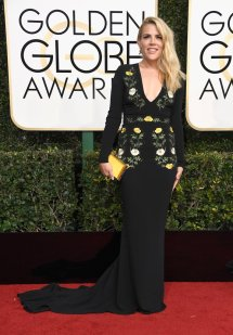 michelle-williams-busy-philipps-2017-golden-globes