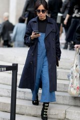 look-macacao-trench-coat-azul-turtleneck-170522-092438