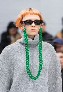 corrente - oculos - tendencia - moda - fashion - jacket - blog - como usar - cordinha - acessorio (1)